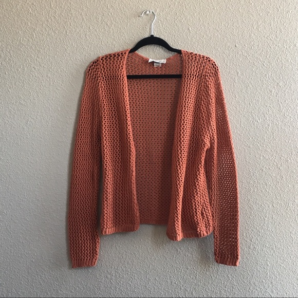 b0a8c593b278e3 Knit Avenue Burnt Orange Acrylic Vintage Cardigan. Vintage.  M_5b7701a681bbc8e4c56a5d4f. M_5b7701a8f303697e25072326.  M_5b7701ab477368e961fa7bb2